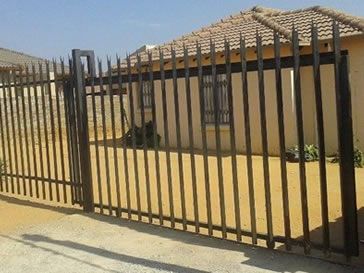 Residential Palisade Fencing With Different Prices